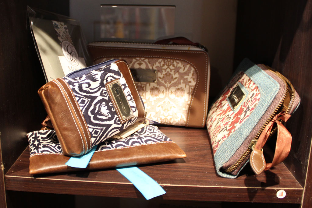 Ladies clutch bags and wallets