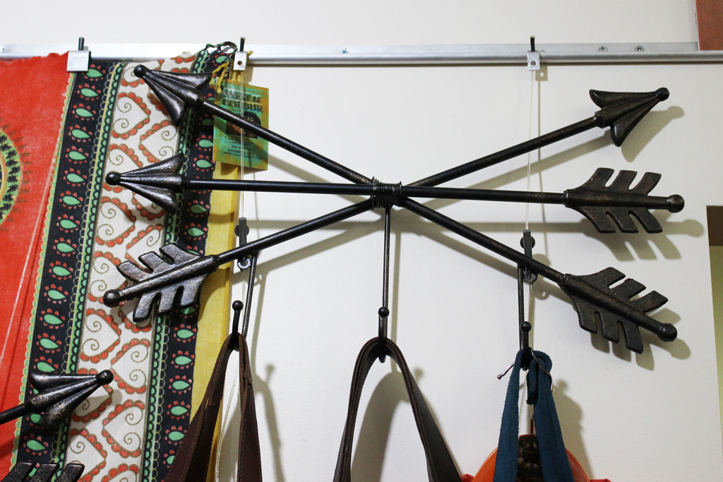 Metal Arrow Wall Hanger